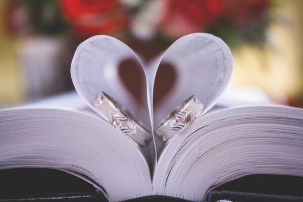 Wat is het verschil tussen een huwelijk, een geregistreerd partnerschap en een samenlevingscontract?